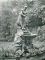 Ludwig Brunow Berlin Brunnen Wäscherin (1).JPG