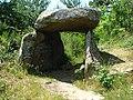Luriecq (Loire, Fr), dolmen.JPG