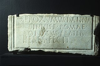 Epitaphe de Proxumus Ra 255