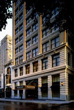 Madison Hotel (Memphis, Tennessee) - Image: Madison Hotel Front