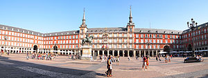 Madrid - Plaza Mayor 2012.jpg