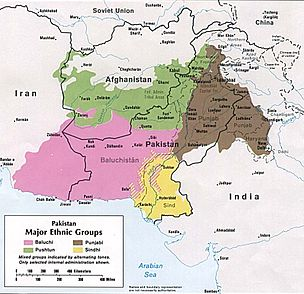 Distribution of Balochs is marked in pink.