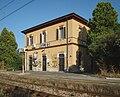 Maleo - stazione ferroviaria - fabbricato viaggiatori lato binari.jpg