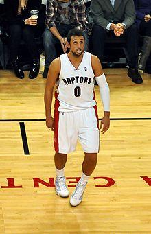 6cd801e23 Belinelli as a Toronto Raptor in 2009