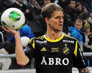Martin Lorentzson - Image: Martin Lorentzson (vs. Malmö FF in 2013, cropped)