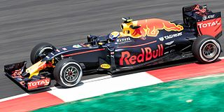 Red Bull RB12 Racing automobile