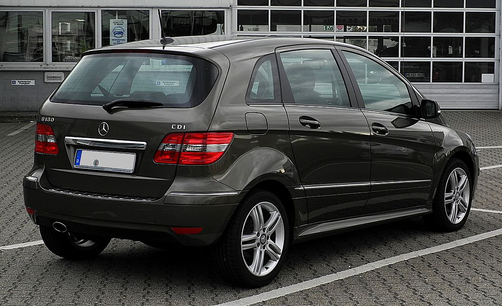 file mercedes benz b 180 cdi t 245 facelift heckansicht 10 juni 2011. Black Bedroom Furniture Sets. Home Design Ideas