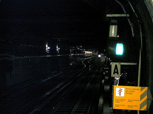 Metro de Paris - Ligne 1 - Porte Maillot 07