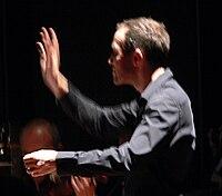 Michael Hofstetter conducting.jpg