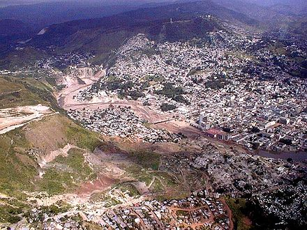 Aerial view of the capital after Hurricane Mitch, early November 1998 Mitch-Tegucigalpa.JPG