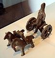 Modellino di carro con auriga, IX-VIII secolo ac, da gricigliano (m. a. dell'agro tellano, succivo).jpg