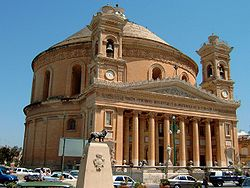 Mosta cathedral.jpg
