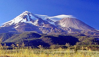 Shastina - Mount Shasta and Shastina from the north. Shastina is the satellite cone on the right.