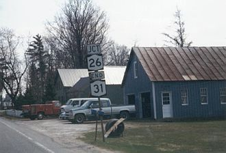 New York State Route 31 - Sign assembly at NY 31's eastern terminus in Vernon. The junction with NY 26 was NY 234's southern terminus from the early 1930s to 1981.