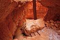 Navajo Loop Trail, Bryce Canyon National Park (3447059126).jpg