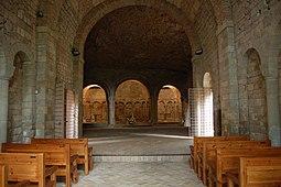Interior de la nave de la iglesia alta. Cabecera al fondo.
