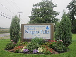 Niagara Falls, New York welcome sign IMG 1298.JPG