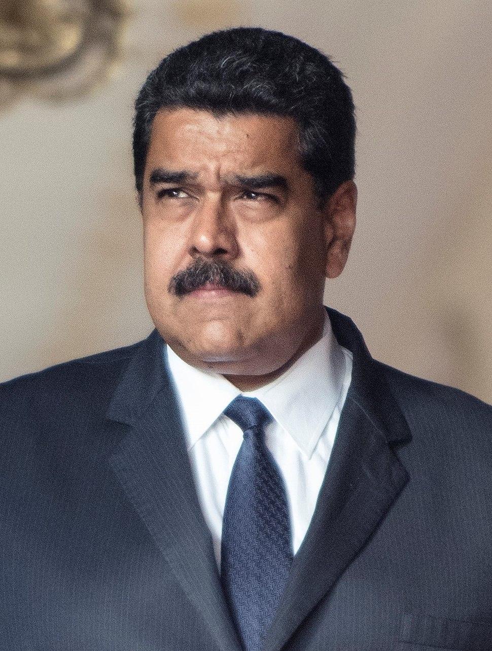 Nicolás Maduro (gauche) Juan Guaidó (droite)