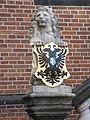 Nijmegen - Waaggebouw - Wapendragende leeuw met het stadswapen van Nijmegen.jpg