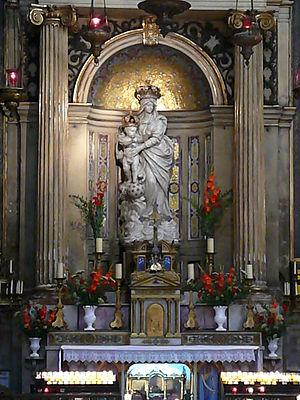 Basilica of Notre-Dame-des-Victoires, Paris - Statue above the East transept altar of Notre-Dame-des-Victoires in its eponymous Basilica.