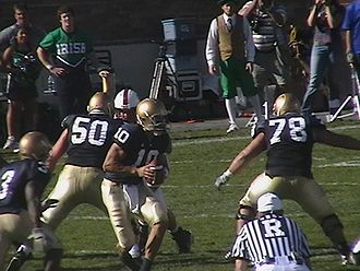 2006 Notre Dame Fighting Irish football team - Brady Quinn taking a snap against Stanford