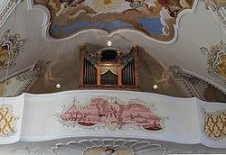 Nussdorf St Leonhard Orgel.jpg