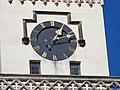 Nymburk, kostel svatého Jiljí, z ulice Na Fortně, hodiny.jpg