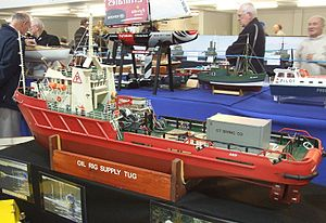 Oil Rig Supply Tug - International Model Boat Show - Nov 2008.jpg