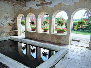 Old wash house Marmeaux France.jpg