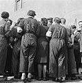 Ontmoeting met ex-gedetineerden in het voormalige concentratiekamp Westerbork, Bestanddeelnr 900-2559.jpg