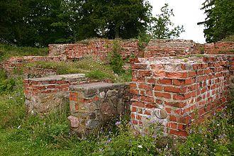 Otepää - Image: Otepää Piiskopilinnuse varemed