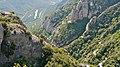 P1110003 Serra de Montserrat, la vallée du fleuve Llobregat qui se jette dans la Méditerranée à Barcelone (6350640183).jpg