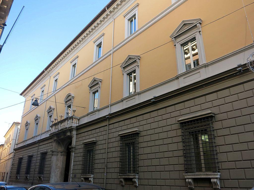 File palazzo crispolti sede della cassa di risparmio di for Palazzo 24