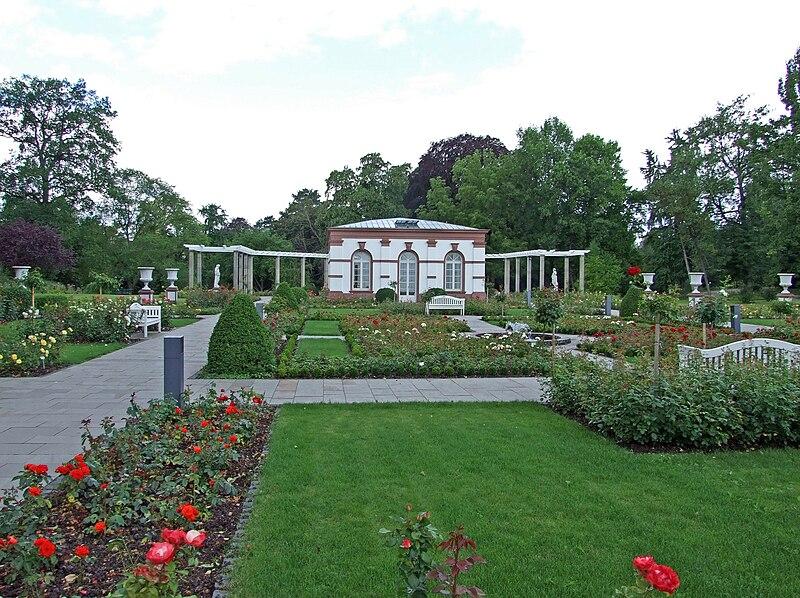 Palmengarten-ffm-Haus Rosenbrunn-002.jpg