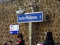 Panneau nom de la gare Denfert-Rochereau.jpg