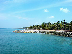 Administration of Kollam district - Paravur estuary: Scenic beauty of backwaters and beaches