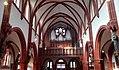 Pfarrkirche St. Matthias, Mittelschiff mit Blick zur Orgelempore.jpg