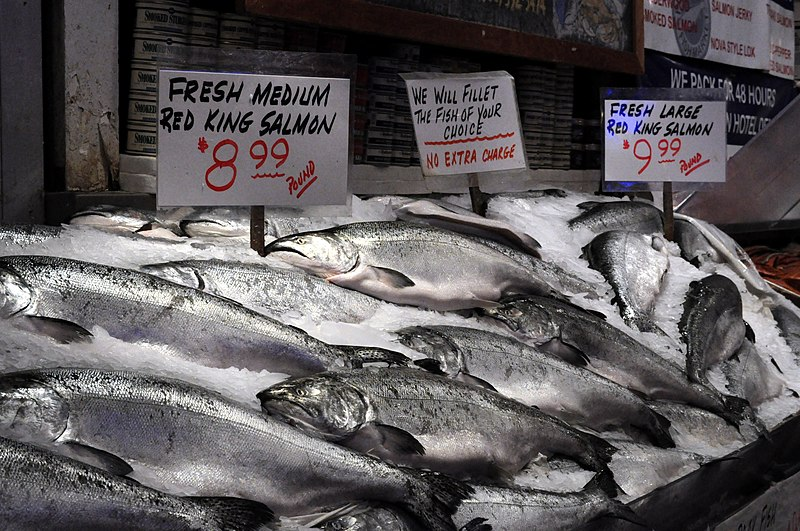 Pike place market silver salmon at pure food fish for Pure food fish market