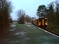 Pontarddulais railway station in 2006.jpg