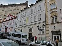 Praha, dům U Tří černých orlů.jpg