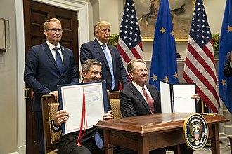 Representatives from the EU and US sign a trade deal in 2019 President Trump Announces Trade Deal (48442590476).jpg