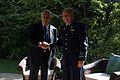 Presidente Piñera con el Comandante en Jefe de la Fuerza Aérea de Chile, General Ricardo Ortega.jpg