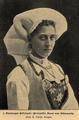 Prinzessin Maud von Dänemark in Hardanger Festtracht, 1902.png