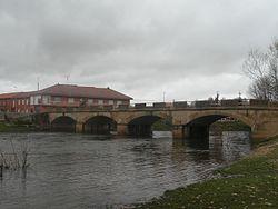 Puente sobre el río Tuerto en Santa Maria de la Isla.JPG