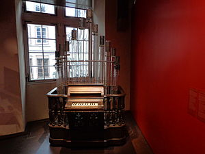 Pyrophone - One of the pyrophones constructed by Kastner, as seen in 2013 in the Musée historique de Strasbourg.