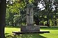 Rödelheim, Brentanopark, Kriegsopferdenkmal.JPG