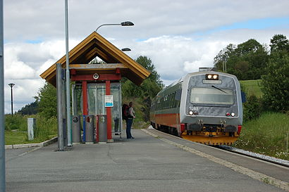 How to get to Røstad with public transit - About the place