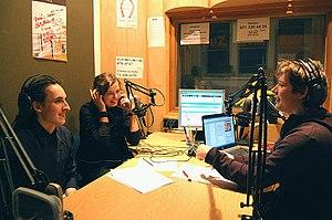 دليل القنوات التلفزية و المحطات الإذاعية اللبنانية 300px-RadioLuzStudio