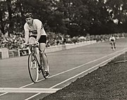 Reg Harris wins quarter final of 1000m cycle race, Olympic Games, London, 1948.jpg
