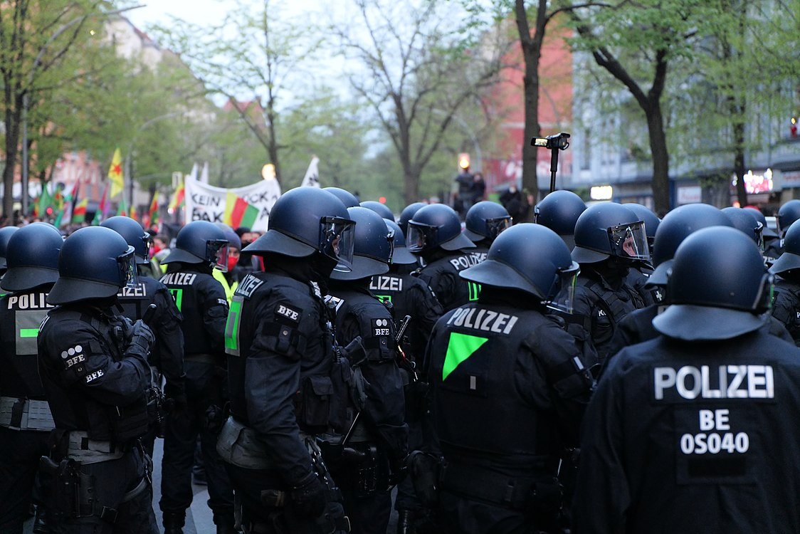 Revolutionary 1st may demonstration Berlin 2021 109.jpg